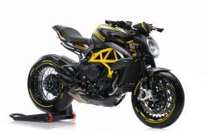 2019-Dragster-RR-Pirelli