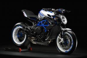 2019-Dragster-RR-Pirelli-blauw