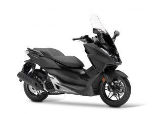 Honda Forza 125 mat zwart