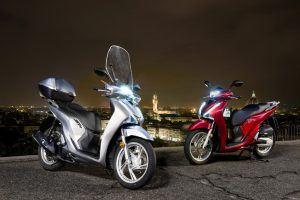 Honda SH150i grijs rood