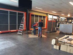 verbouwing showroom Arie Molenaar Motors