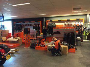 showroom Arie Molenaar Motors verbouwen
